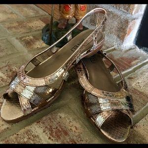 Van Eli tri color metallics sandal